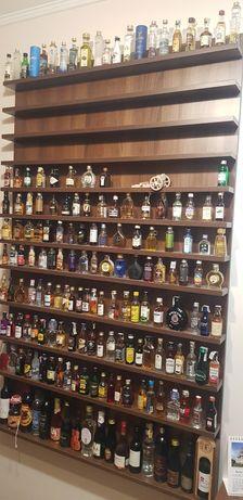 Colecție de sticle în miniatură