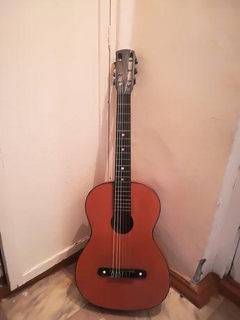 Продам гитару цена 10000