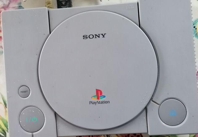 Vând Sony playstation 1