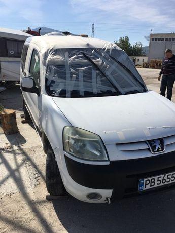 Peugeot partner 1.9d(на части)