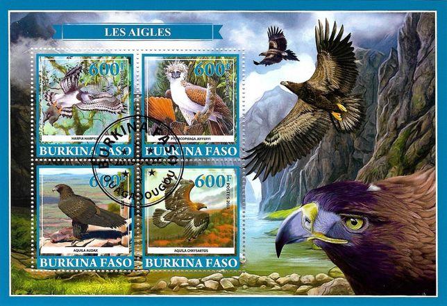 Super timbre colita Burkina Faso, fauna, pasari, vulturi. Pret 25 lei