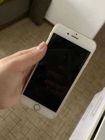 Продаю телефон Iphone 6s