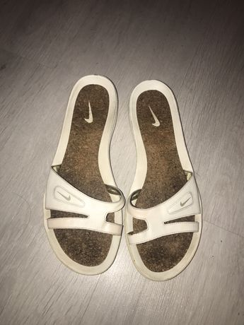 Papuci piele nike