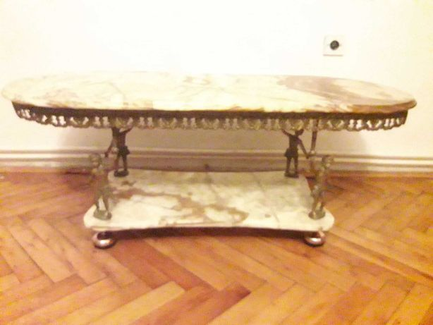masa cu picior din bronz