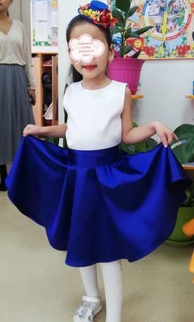 Продам платье плюс шляпка на 5-6лет