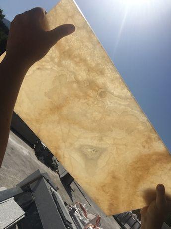 Оникс на плочи