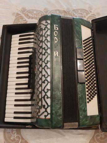 Аккордеон музыкальный инструмент, гармон, баян, акардион, с футляром