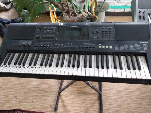 синтезатор ямаха 453