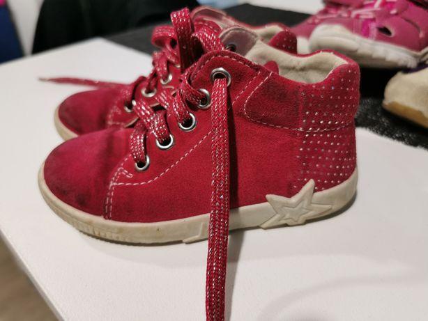 Vând papuci mai multe modele