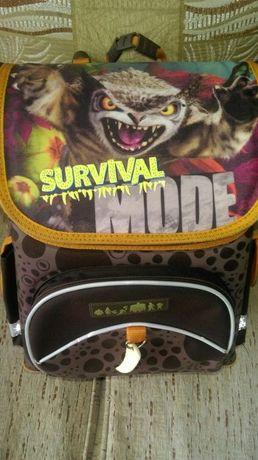 Продам школьный рюкзак (ранец)
