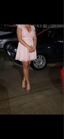 Rochie roz  pal din dantela