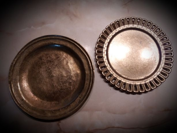 Farfurii mici din bronz, 2 bucăți un singur preț!!!