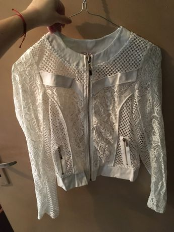 Дантелено бяло яке и розово сако