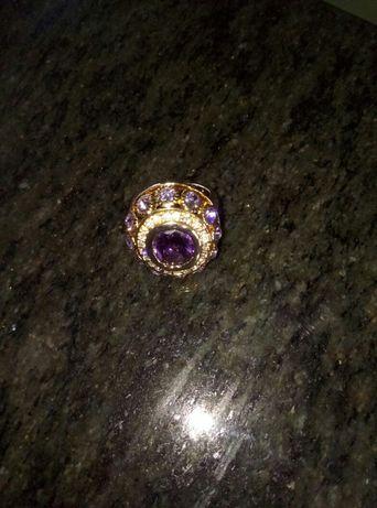 Позлатен пръстен.