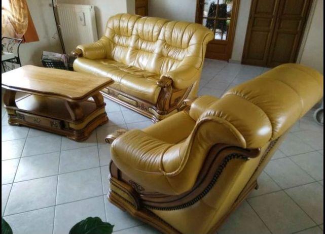 Canapele din piele naturala
