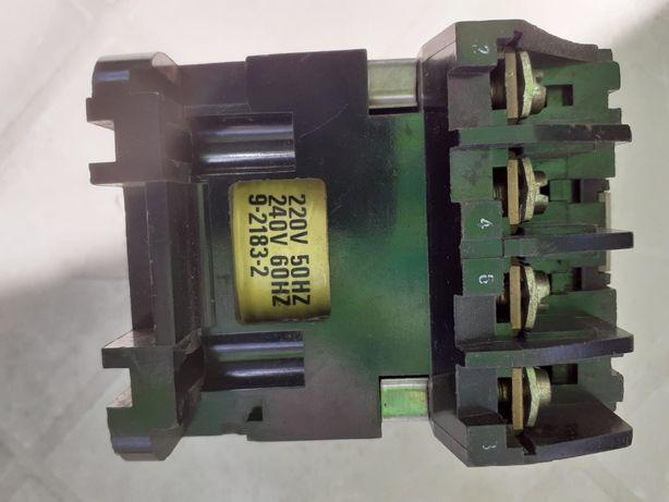 contactor Cutler-Hammer Anglia bobina 220v