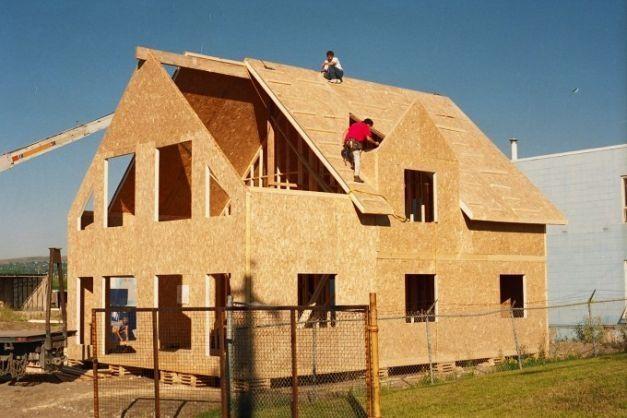 Vand case din lemn pe comanda