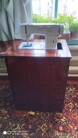 Швейная машинка Чайка 142 М.