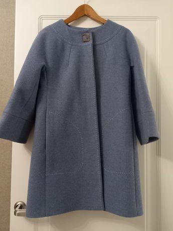 Продаю пальто размер 44