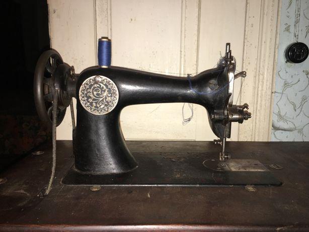 Masina de cusut Singer printre primele modele