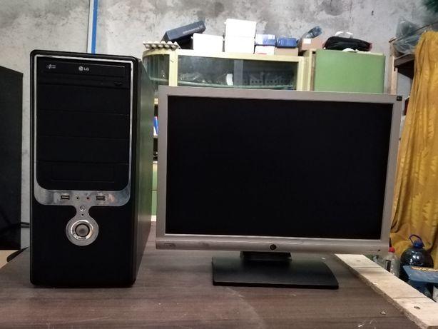 VIND Sistem calculator complet procesor intel i3 3,07 Ghz+3,07 Ghz.