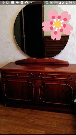 Тумба с зеркалом, производства Румыния