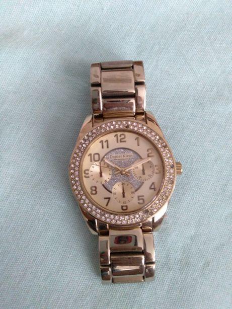 Часы женские под золото