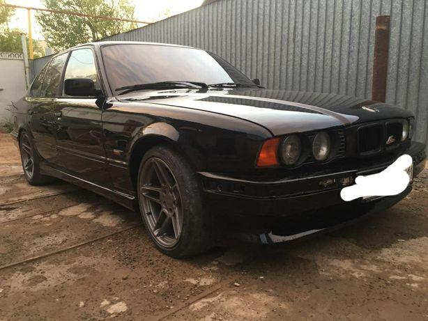 Продам BMW E34 525i