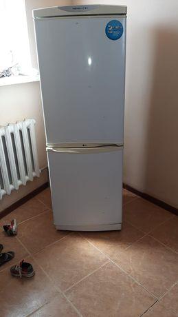 Холодильник на запчастей