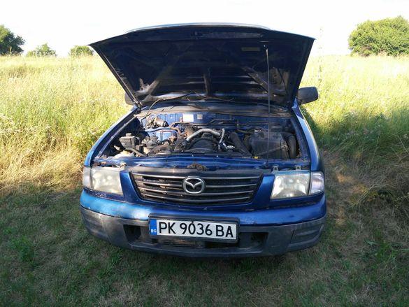 Mazda B2500 пикап.