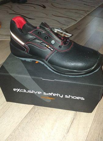 Vand pantofi lucru exena