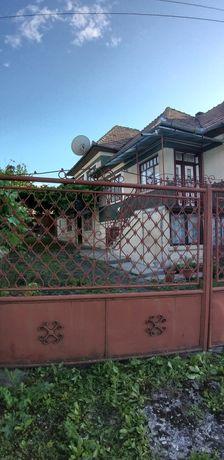 Doua case alipite sat Gheorgheni