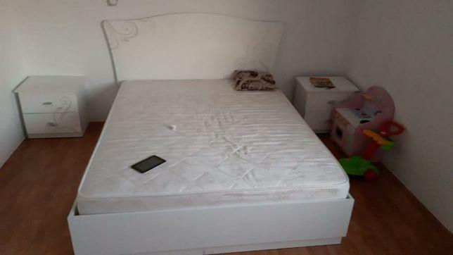 Продам двухспальную кровать.
