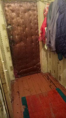 Продам квартиру 2х комнатную имеется гараж без документоа