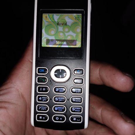 Продам кнопочный телефон ZTE
