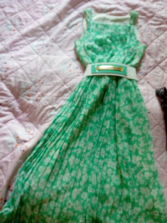 Продается подростковое платье.