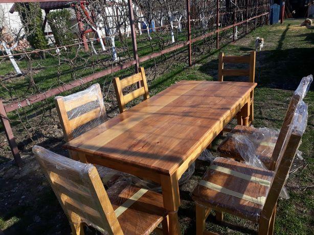 Vând set masă și scaune