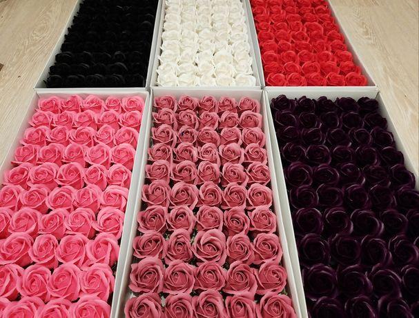 Trandafiri,hortensie,orhidee sapun parfumati cutie