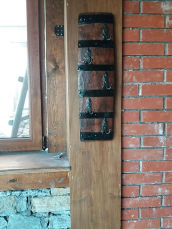 Закачалки от автентични бъчви с ръчно ковано желязо