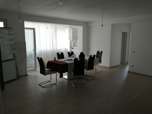 Vând apartament nou 3 camere
