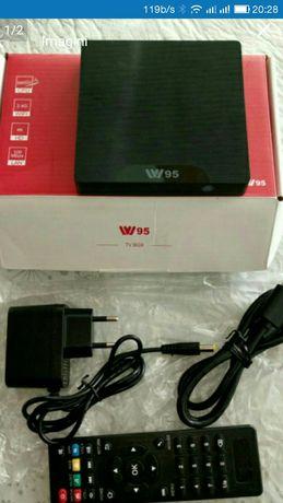 Vând Media TV box W95 4k .