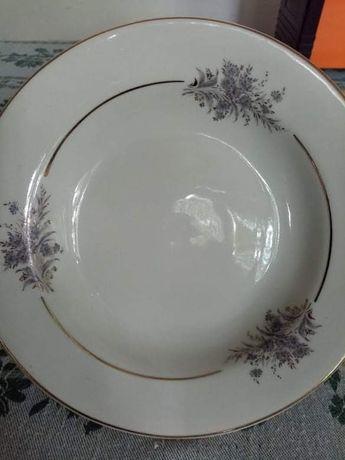 Нови порцеланови чинии