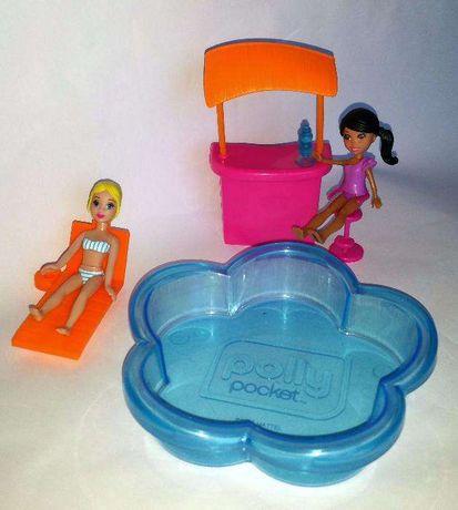 Papusi Polly Pocket cu piscina, șezlong, bar
