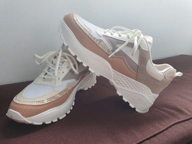 Pantofi trendy , marimea 39
