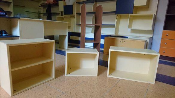 Кутии и рафтове за стена
