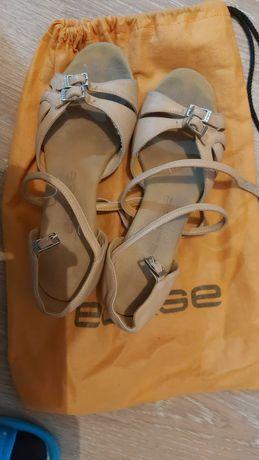 Танцевальные туфли Eckse
