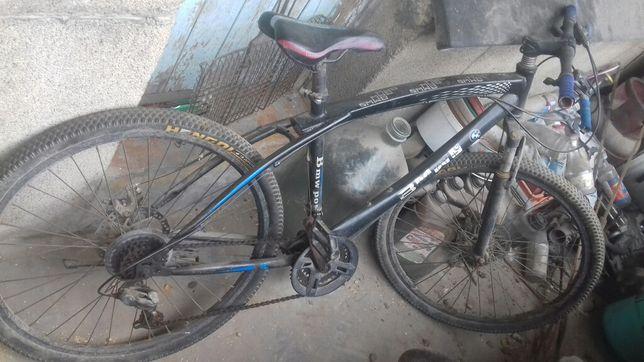 Продам велосипед цена договорная. Я хорошем состоянии.