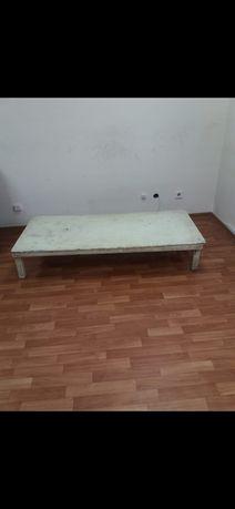 Продаётся стол маленький