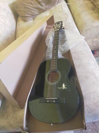 Новая гитара шестиструнная
