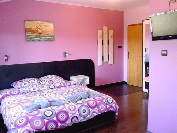 КВАРТИРИ за лятото в Варна - всяка с баня/WC, климатик, хладилник,